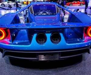 2016_ford_gt_close_up_21