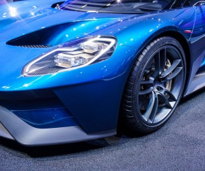 2016_ford_gt_close_up_28