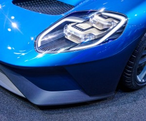 2016_ford_gt_close_up_29