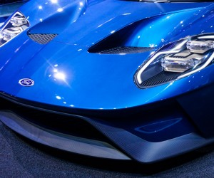 2016_ford_gt_close_up_31