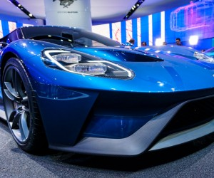 2016_ford_gt_close_up_34