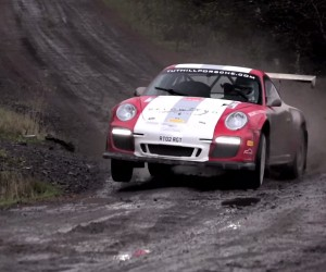 Chris Harris Hoons a Porsche 997 in the Mud