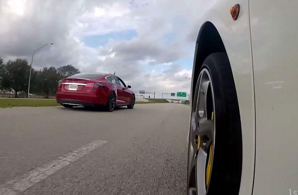 Tesla Model S P85D Races a Ferrari 458 Italia