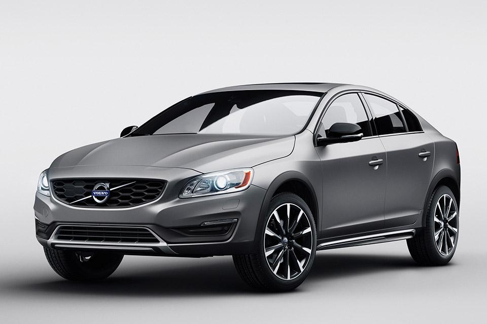 Volvo Will Show S60 Cross Country Sedan in Detroit