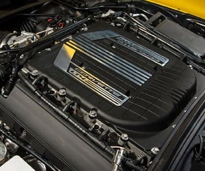 GM Offers Corvette Z06 Buyer Engine Building Program