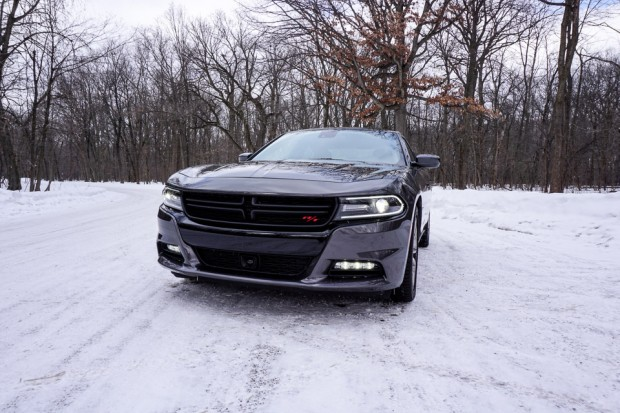 2015_dodge_charger_rt_road_track_14