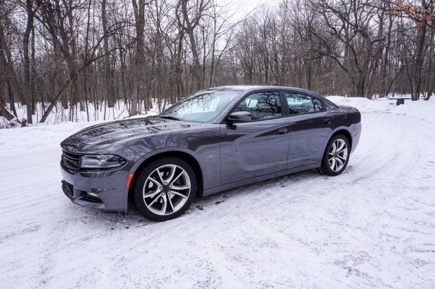 2015_dodge_charger_rt_road_track_17