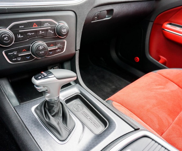 2015_dodge_charger_rt_road_track_27