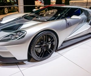 2016_ford_gt_silver_10