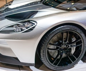 2016_ford_gt_silver_13