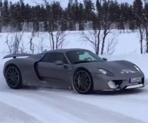 Porsche 918 Spyder Drifting Through the Snow
