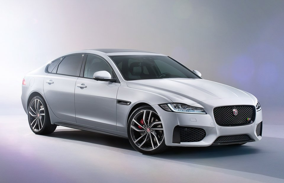 2016 jaguar xf sheds weight looks great 95 octane. Black Bedroom Furniture Sets. Home Design Ideas