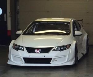 Honda Unveils BTCC Civic Type R Racer