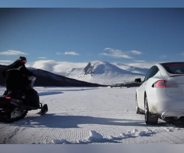 Tesla Model S P85D Races a Snowmobile Because Winter