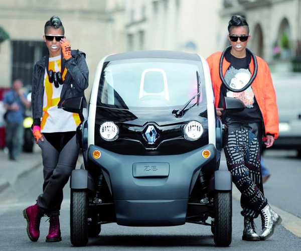 14-year-old French Teens Can Drive the Renault Twizy