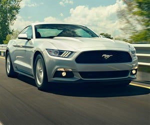 A 2015 Mustang Ecoboost Takes to Mulholland Drive