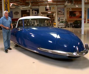 Jay Leno Checks out a 1948 Davis Divan 3-Wheeler