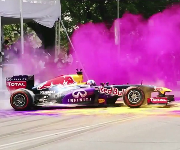 F1 Driver Makes Gloriously Colorful Donuts