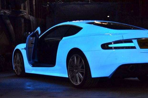 glowing_aston_martin_2