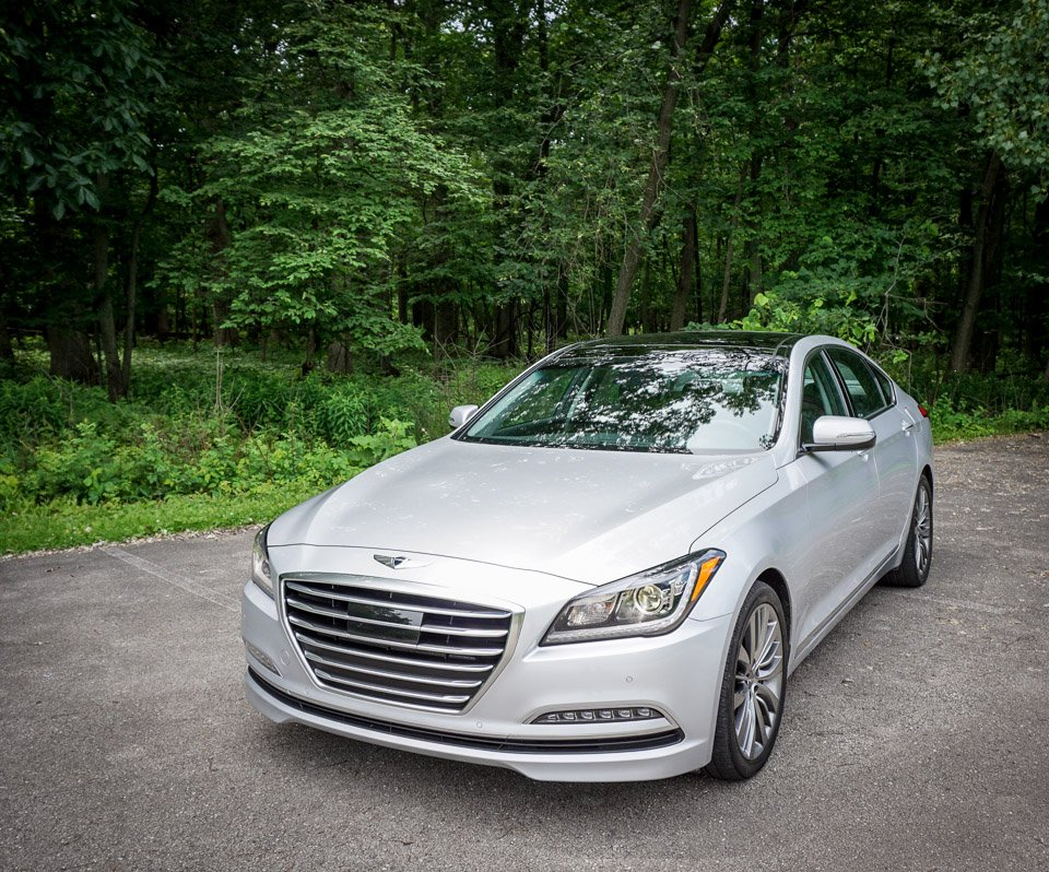 review 2015 hyundai genesis 5 0 rwd the thrill of driving. Black Bedroom Furniture Sets. Home Design Ideas