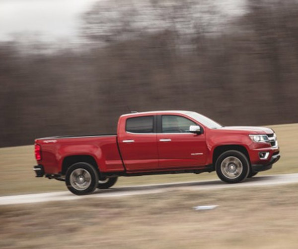 Chevy Aims for 30 mpg with Diesel Colorado
