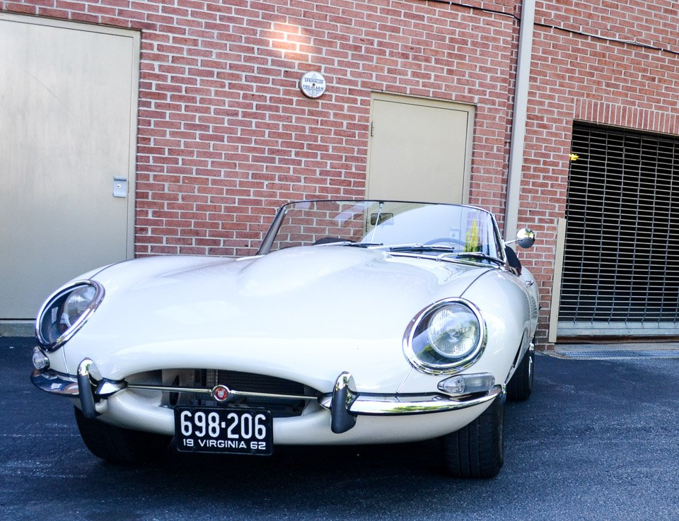 Carspotting: Jaguar E-Type Series 1 Roadster