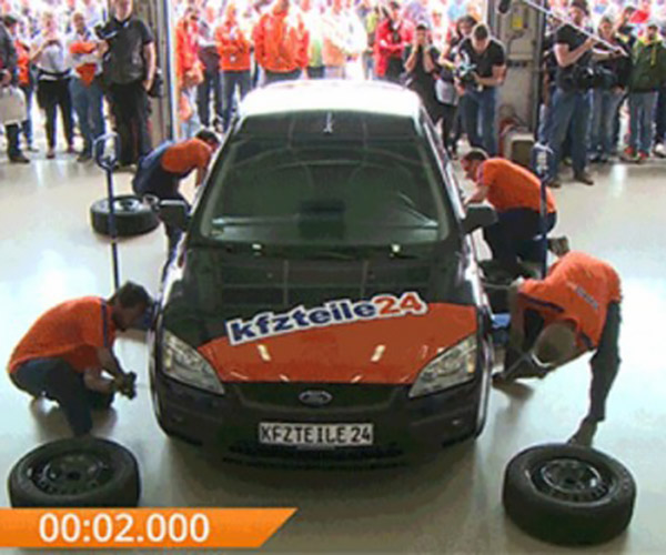 German Mechanics Break Tire Change World Record