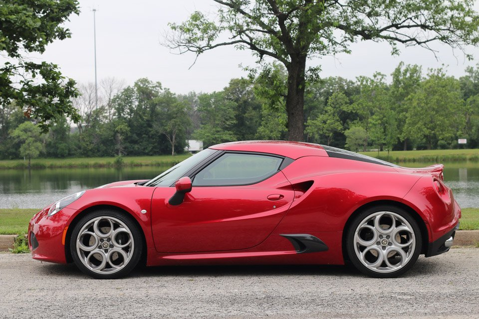 review 2015 alfa romeo 4c coupe. Black Bedroom Furniture Sets. Home Design Ideas