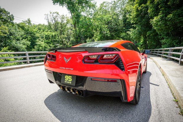 2015_chevy_corvette_stingray_12