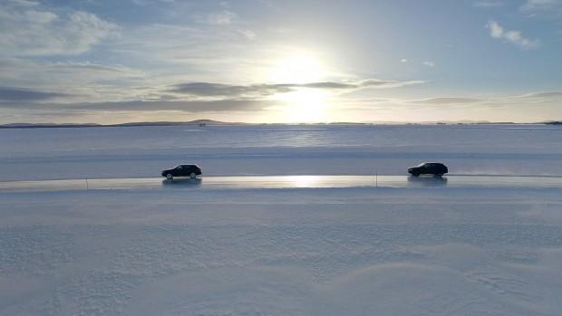 bentley_bentayga_in_snow_1