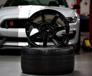 Ford Talks Shelby GT350R Carbon Fiber Wheels
