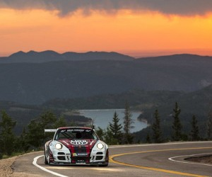 Fly up Pikes Peak in a Porsche GT3 Cup Turbo