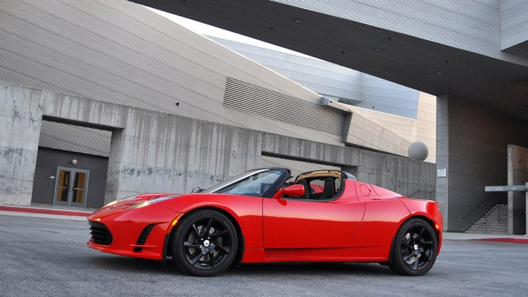 Next-Gen Tesla Roadster Four Years Away, Goes Plaid