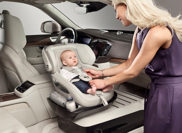 volvo_xc90_child_seat_2