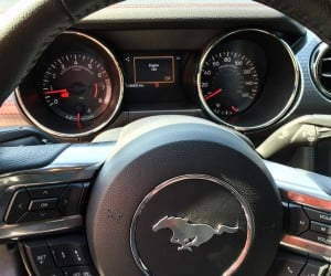 2015_ford_mustang_ecoboost_blue_manual_11