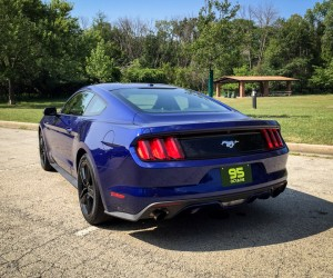 2015_ford_mustang_ecoboost_blue_manual_5