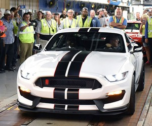 First Shelby GT350 Rolls off Assembly Line