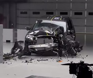 2016 Honda Pilot Passes Crash Test with Flying Colors