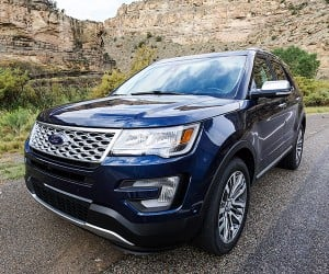 We Explore More in the 2016 Ford Explorer Platinum