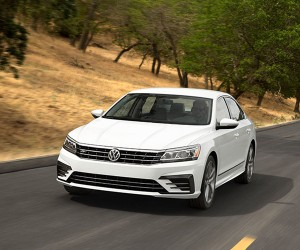 Refreshed 2016 VW Passat Gets an R-Line Version