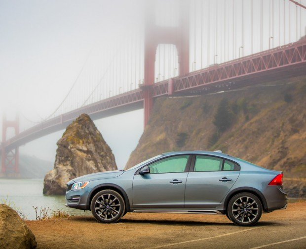2016_volvo_s60_cross_country_awd_6