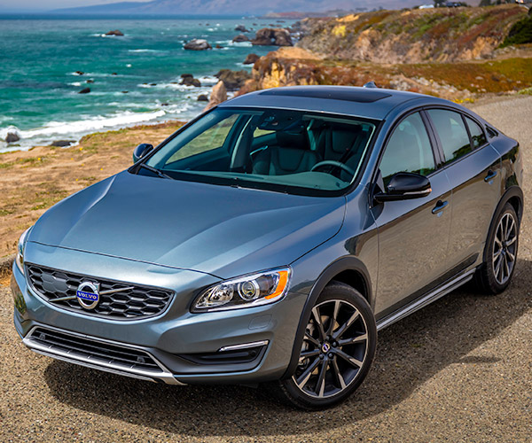 first drive review 2016 volvo s60 cross country the thrill of driving. Black Bedroom Furniture Sets. Home Design Ideas