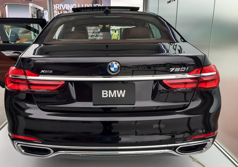 up close with the 2016 bmw 7 series 95 octane. Black Bedroom Furniture Sets. Home Design Ideas