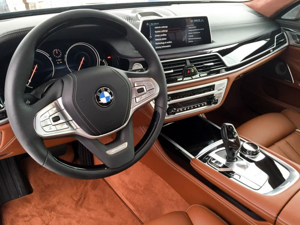 2017_bmw_7_series_up_close_4