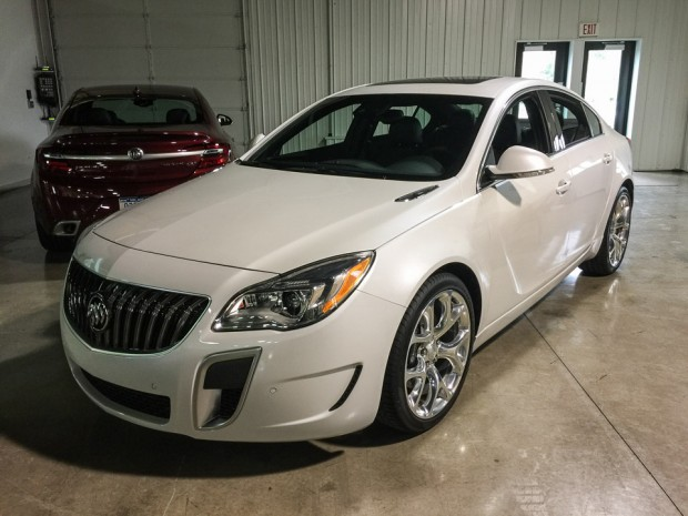 2016_buick_regal_gs_15