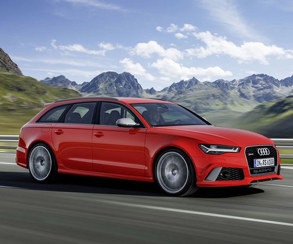 Audi RS 6 Avant Performance Wagon Hauls Stuff and Hauls Arse