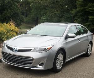 Review: 2015 Toyota Avalon Hybrid XLE Premium
