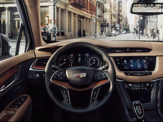 2017-Cadillac-XT5_3