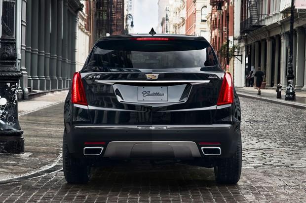 2017-Cadillac-XT5_4