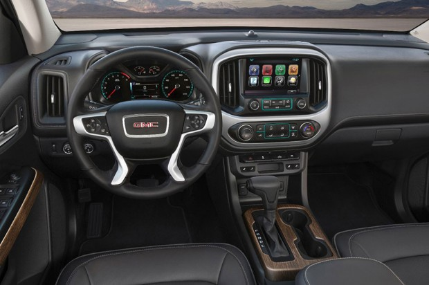 2017-GMC-Canyon-Denali_2